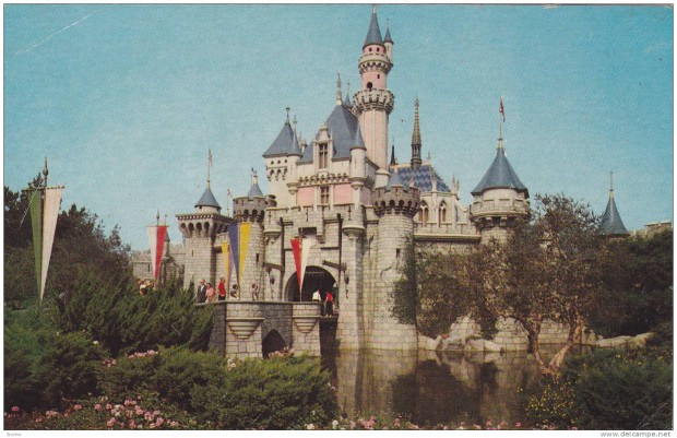 sleeping-beauty-castle-disneyland
