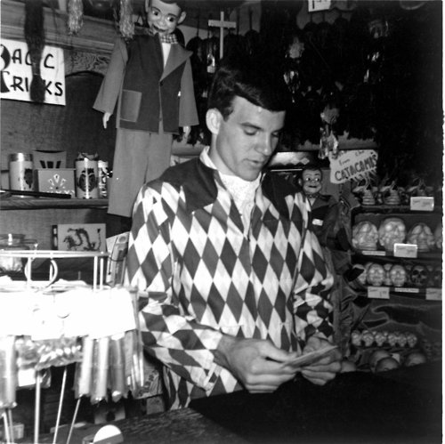 Steve Martin, Magic Shop Main Street USA