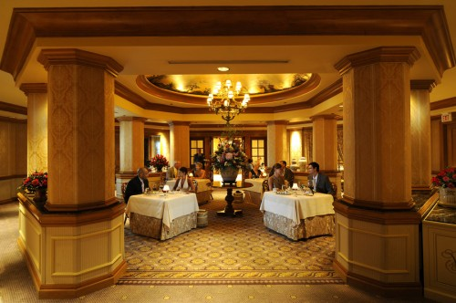 The Best Restaurant In Walt Disney World Victoria And Albert S Wins Aaa 5 Star For 13th Consecutive Year