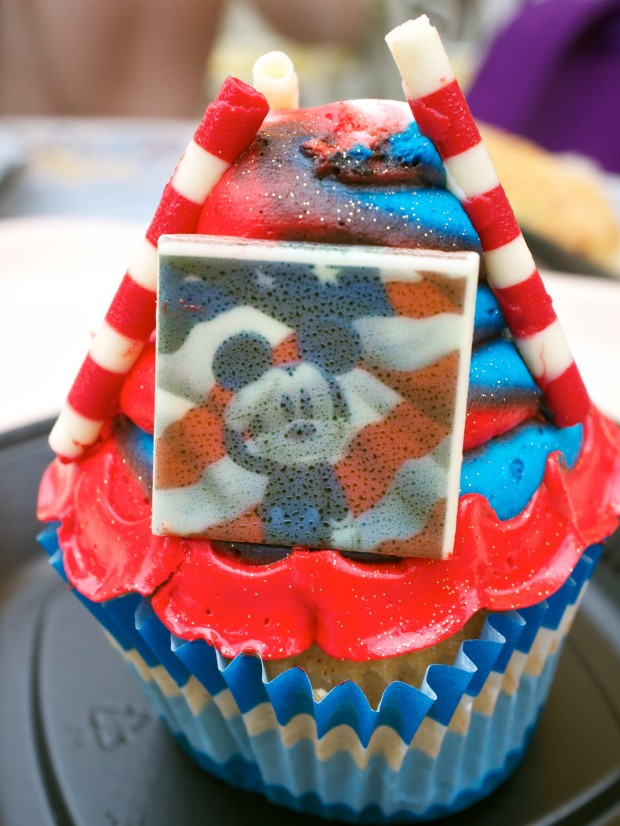 Mickey Fourth Of July Cupcake