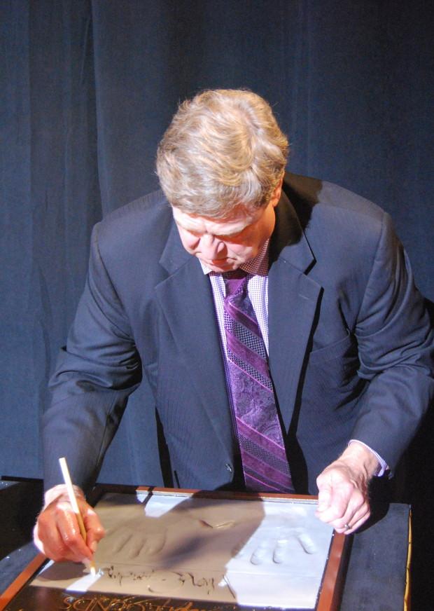 john goodman signing at disney legends ceremony
