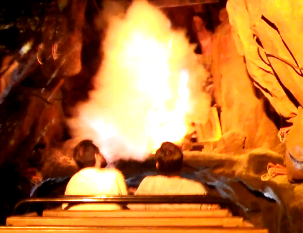 big thunder mountain disneyland special effects smoke