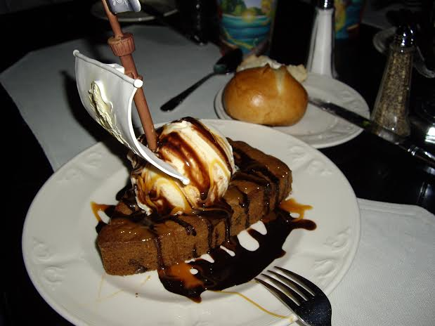 blue bayou dessert disneyland pirate ship
