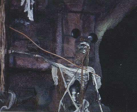 disneyland skeleton indiana jones disneyland