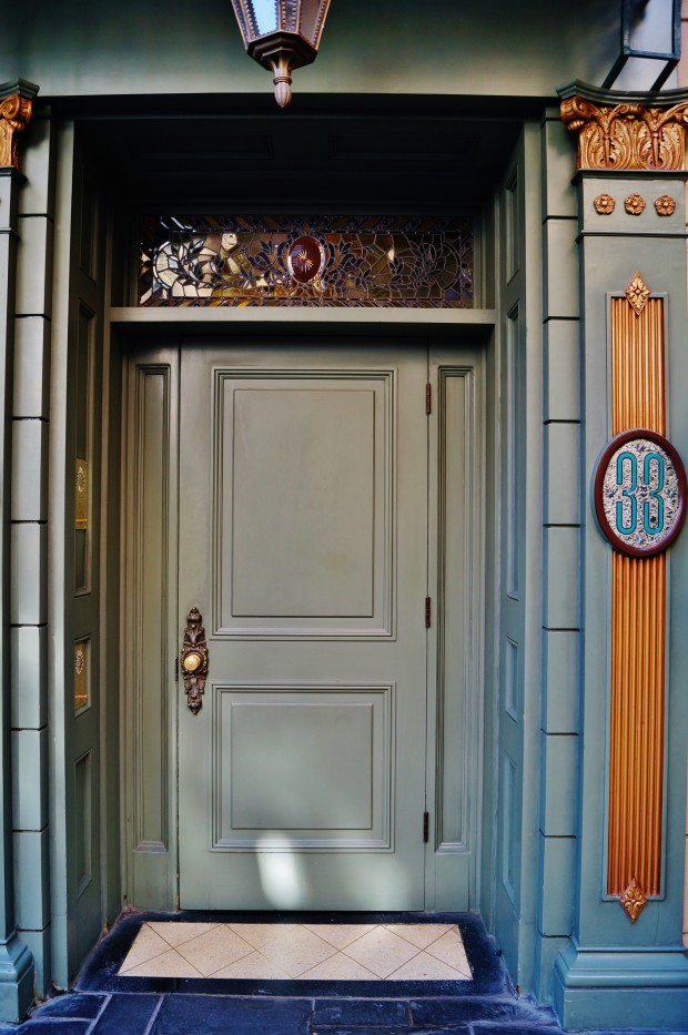 disneyland main club 33 door