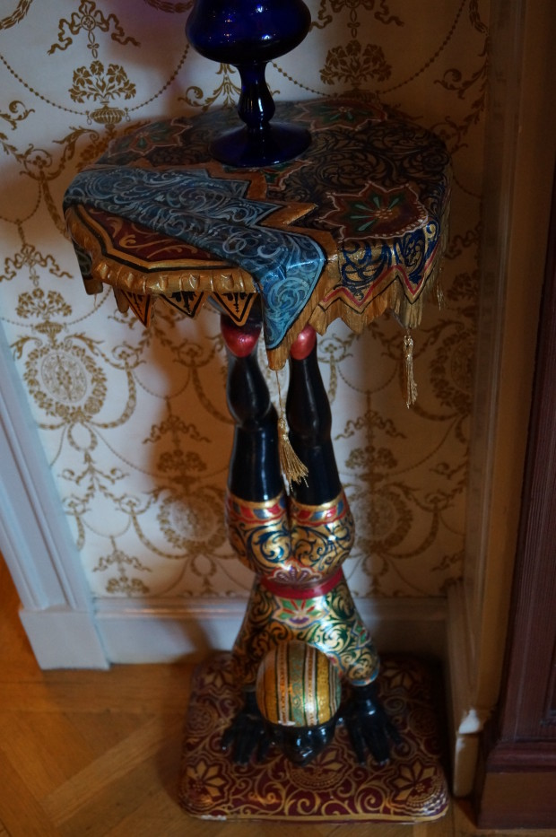club 33 egyptian table with decorative upright
