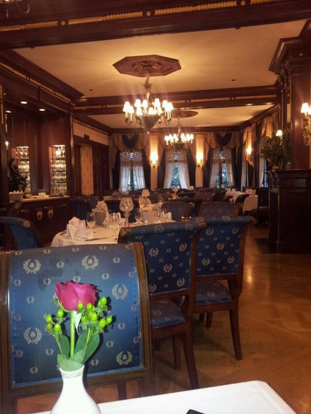 club 33 main dining room wood full room