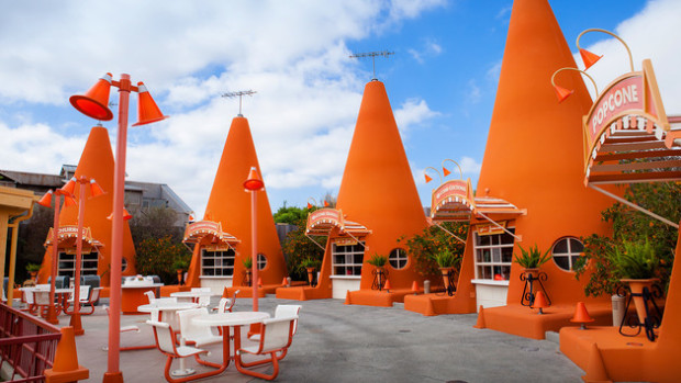 cozy cone motel cars land