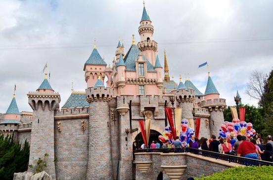 disneyland castle sleeping beauty castle
