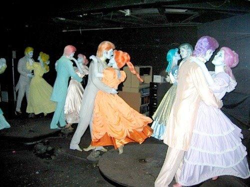 disneyland ghosts haunted mansion