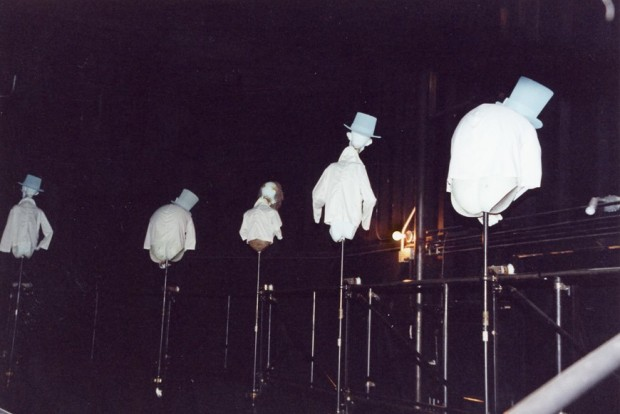 disneyland haunted mansion hitchhiking ghosts