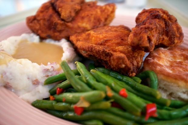 disneyland plaza inn fried chicken plate