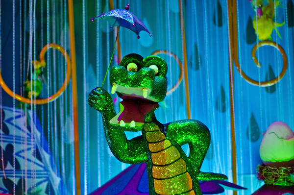 disneyland small world alligator