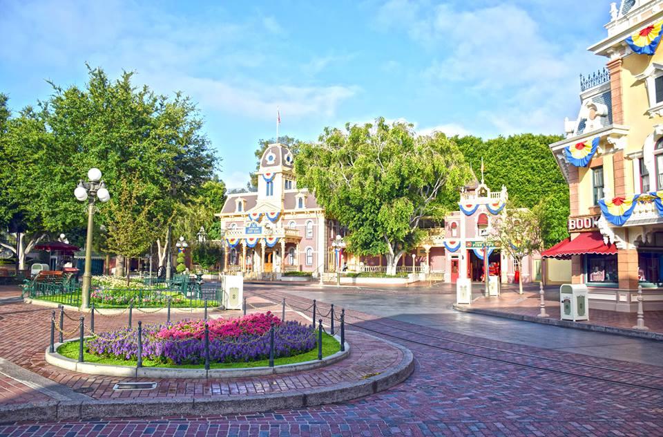Main Street USA- Summer Disneyland