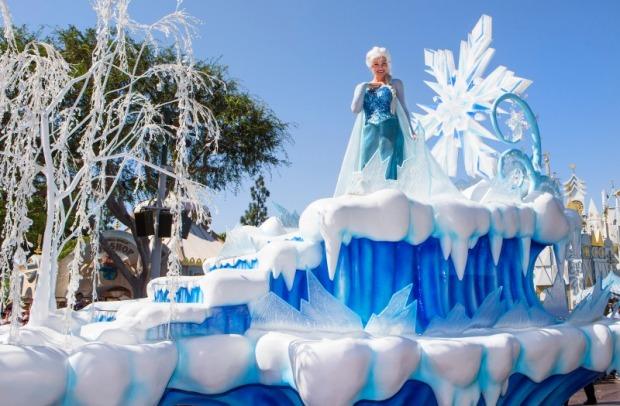 frozen disneyland anna and elsa