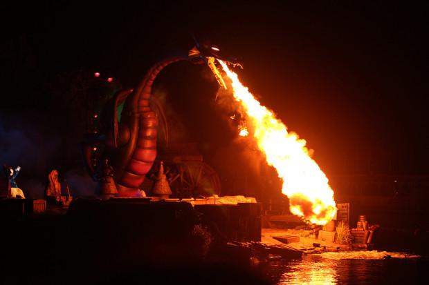 Fantasmic! fire breathing dragon