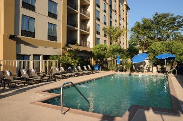 hampton inn-pool