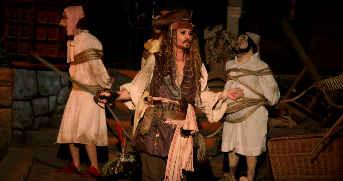 Johnny Depp surprising riders of Pirates ride
