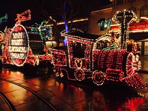 The leading float from the Main Street Electrical was out for pictures as we were leaving the parks.
