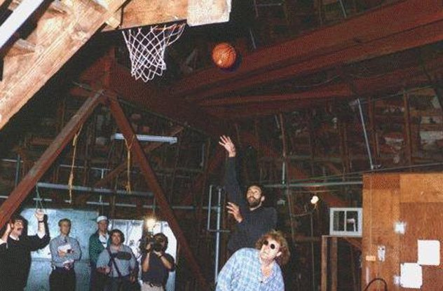 Matterhorn basketball hoop