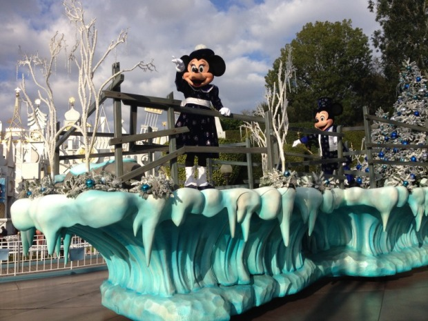 Christmas Disneyland Mickey and Minnie Float