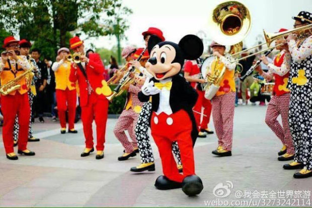 mickey mouse and band shanghai disneyland