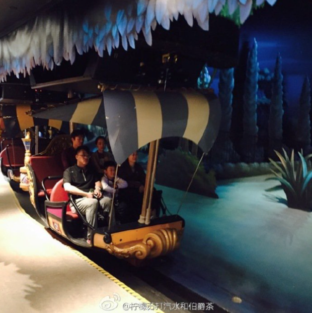 peter pan ship disneyland shanghai