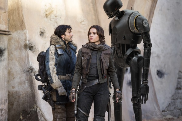 rogue-one-diego-luna-felicity-jones-k2so-600x400