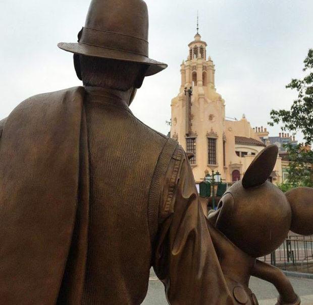shanghia disneyland walt and mickey storytellers