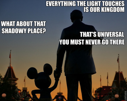 walt-disney-mickey-shadowy place-universal-disneyland-light